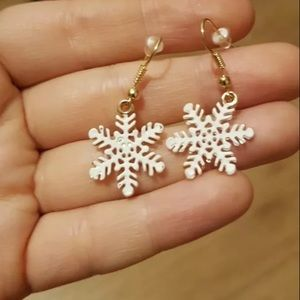 Christmas earrings snowflake